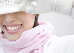 きています。健康的な笑顔を、美しい口元から作り出すお手伝いをしていきます。   セラミック治療のメリット
